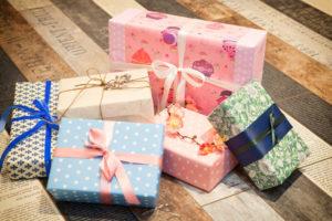 Как оформить подарок для контрагента