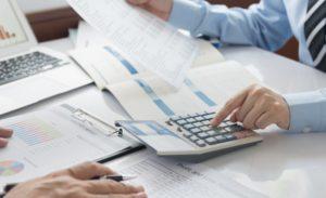 Бухгалтеры сдают баланс в Росстат в последний раз